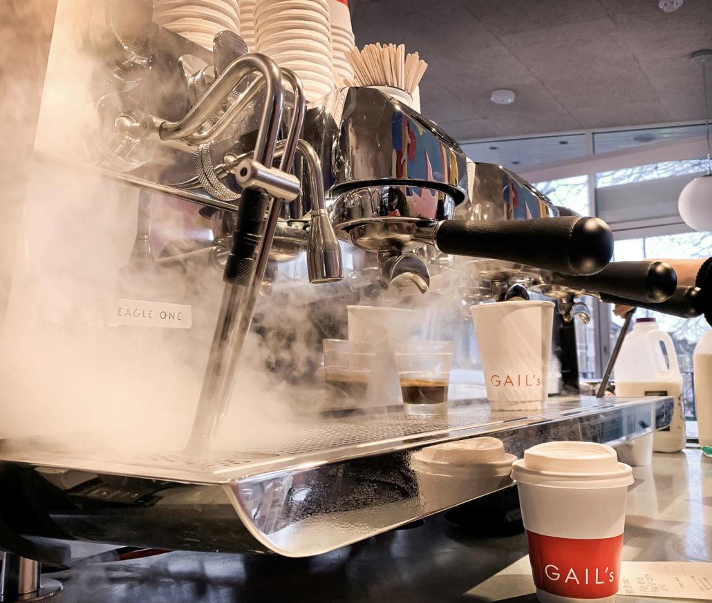 How Do Cafés Choose Their Coffee Equipment